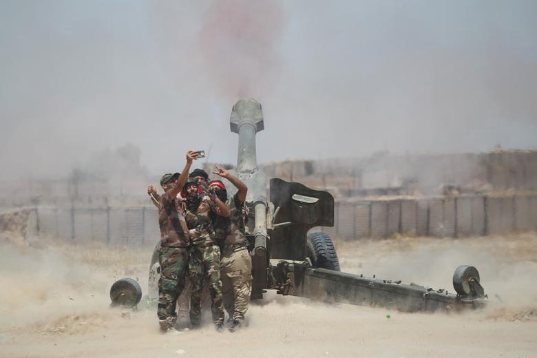 artillery selfie reuters media